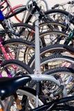 велосипед зафиксированный вверх стоковая фотография rf