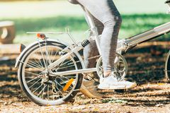 Велосипед катания велосипедиста людей спорта Стоковые Фотографии RF