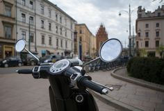 Велосипед мотора скутера стоковые фотографии rf