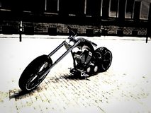Велосипед на дороге стоковое изображение
