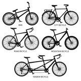 Велосипед печатает вектору черные силуэты Дорога, гора, тандемные изолированные велосипеды бесплатная иллюстрация