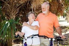 велосипед старшии совместно стоковое фото