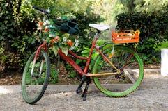 Велосипед художника в Риме, Италии стоковые изображения rf