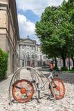 Велосипед Mobike для делить велосипеда стоковые изображения rf