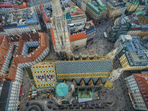 ВЕНА, АВСТРИЯ - 10-ОЕ ОКТЯБРЯ 2016: Крыша собора ` s St Stephen, вены, Австрии Стоковое Изображение RF
