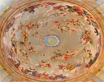 Вена - предположение фрески девой марии в куполке барочной церков Salesianerkirche Антонио Pellegrini (†1675 «1741) Стоковые Изображения