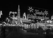 Вена - фасад ратуши и украшения рождества Стоковые Фото