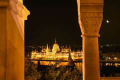 Венгерский парламент на ноче в Будапеште, Венгрии Стоковые Изображения RF