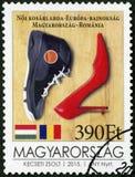 ВЕНГРИЯ - 2015: ботинок баскетбола выставок и ботинок высоко-пятки, чемпионат европейца баскетбола ` s женщин стоковые изображения rf
