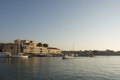 Венецианские гавань и порт городка Chania старого Остров Крита Греции стоковое изображение rf