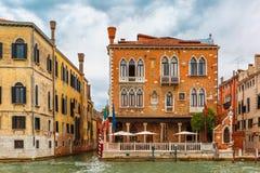 Венецианский готический дворец на грандиозном канале, Венеции Стоковое Фото