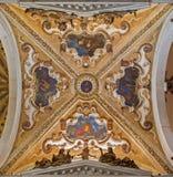Венеция - барочный куполок бортовой часовни в церков San Giovanni e Paolo di базилики. Стоковое Изображение