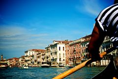 Венеция в гондоле стоковые фотографии rf