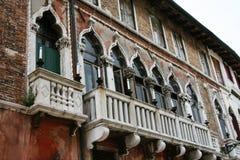 Венеция, здание с балконом стоковое фото rf