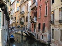 20 06 2017, Венеция, Италия: Взгляд исторических зданий и каналов Стоковые Изображения