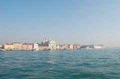Венеция, Италия, город появляется из тумана стоковое фото rf