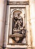 ВЕНЕЦИЯ, ИТАЛИЯ - 19-ОЕ АВГУСТА 2016: Известные статуи & скульптуры Венеции в историческом городе северной Италии 19-ого августа  Стоковое фото RF
