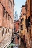 Венеция, Италия, 4-ое сентября 2018 город Италия venice Взгляд грандиозного канала, венецианского ландшафта с шлюпками и гондол стоковые фотографии rf