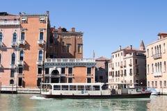 Венеция, Италия - 28-ое марта 2015: Взгляд грандиозного канала в Veni Стоковое Изображение RF