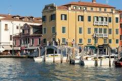 ВЕНЕЦИЯ, ITALY/EUROPE - 12-ОЕ ОКТЯБРЯ: Грандиозный канал в Венеции оно Стоковое Фото