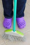 Веник и crocs Стоковая Фотография RF