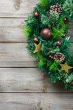 Венок двери рождества пришествия деревянный с праздничным украшением Стоковое Изображение