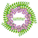 Венок зеленых хворостин и цветков Стоковое фото RF