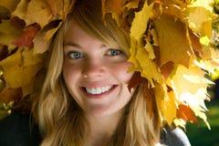 венок листьев девушки Стоковая Фотография