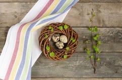 Венок пасхи с 3 яичками триперсток Стоковое Изображение RF