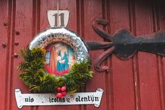 Венок рождества на двери в Gent Стоковые Изображения RF