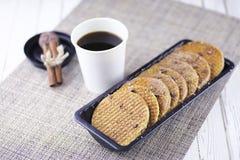 Венские вафли с карамелькой на деревянной предпосылке Стоковые Изображения RF