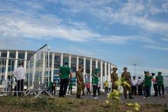Вентиляторы и безопасность на дне игры ФИФА в Nizhnii Новгороде стоковое фото