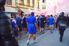 Вентиляторы ренджеров FC Глазго в Мариборе, Словении стоковое изображение
