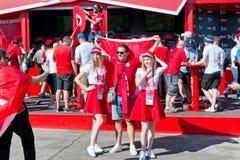 Вентиляторы тунисской национальной команды одели в цветах  стоковая фотография rf
