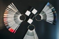Вентилятор на черной предпосылке, никто образца ногтя стоковые изображения