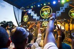 Вентиляторы на джазовом фестивале Safaricom стоковое изображение rf
