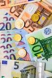 Вентилятор банкнот евро монеток различного значения и евро Стоковые Фото