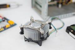 Вентилятор около C.P.U. и кабелей Стоковое Фото