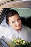 венчание автомобиля невесты счастливое Стоковое Фото