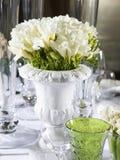 венчание вазы таблицы lupin украшения Стоковое фото RF