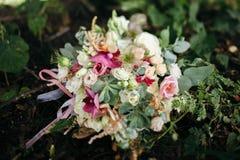 венчание переднего плана фокуса 3 букетов Букет ` s невесты стоковые фото