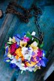 венчание переднего плана фокуса 3 букетов Цветки в шлюпке Стоковое фото RF
