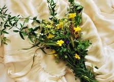 венчание приглашения цветка букета предпосылки одичалое Стоковое фото RF