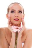 венчание сбора винограда дня пар одежды счастливое романтичная невеста девушки с розовым цветком Стоковые Изображения RF