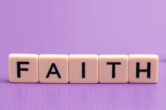 Вера сказанное по буквам вне Стоковая Фотография