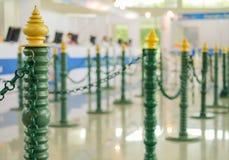 веревочка барьера стойки на входе в международную конференцию Стоковая Фотография