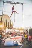Веревочка баланса выставки клоуна Стоковые Фотографии RF