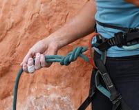 Веревочка и шестерня альпиниста утеса Стоковая Фотография