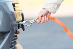 Веревочка кудели удерживания руки Стоковая Фотография