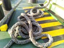 Веревочка моря на палубе корабля Стоковые Фото